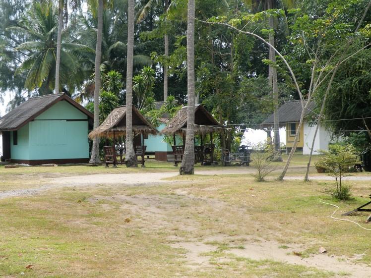 lola's-bungalows-thaietvous-com.jpg