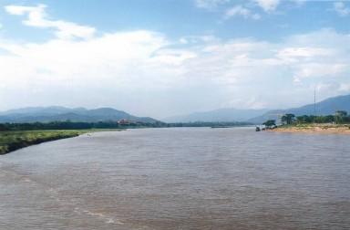 A droite, le Laos, en face le Myanmar, à gauche la Thaïlande