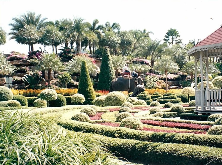 jardin-à-la-française-thaietvous-com