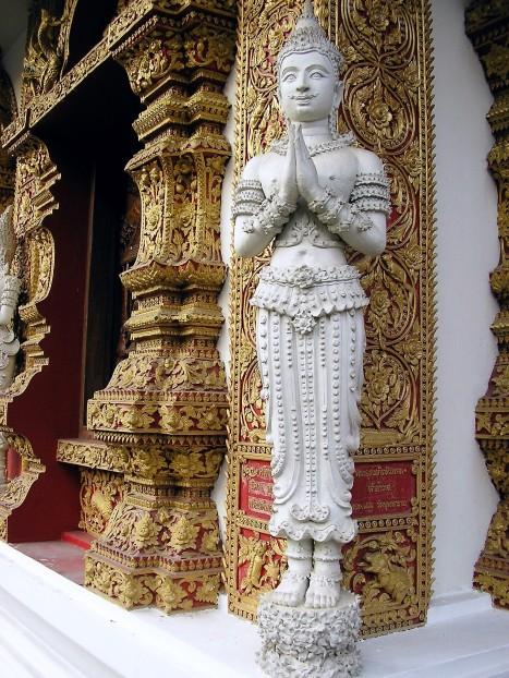 détail-temple-chiang-mai-thaietvous-com