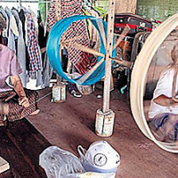 Ban Thong Chai, village thaïlandais de la soie