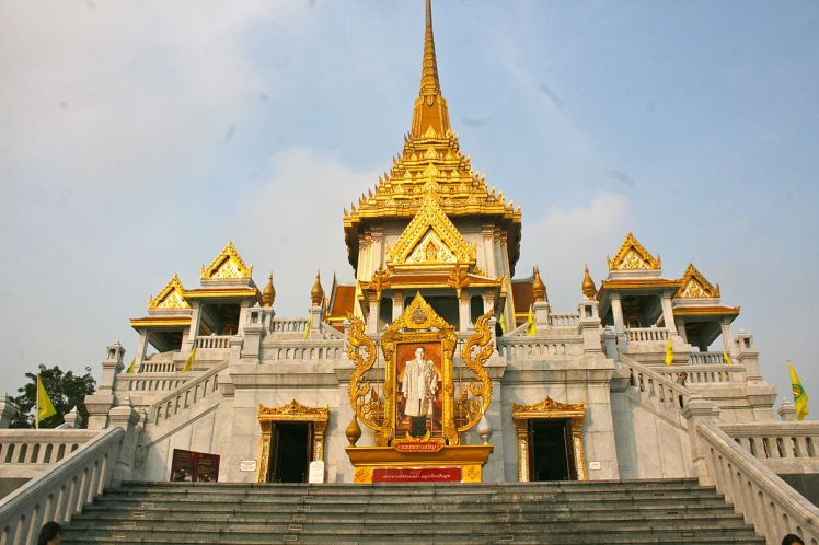 Wat_Traimit_Temple,_home_of_The_Golden_Buddha_(8282543652)