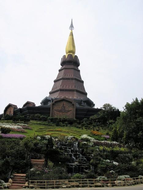 Chedi dédié au Roi Bhumibol, Doi Inthanon