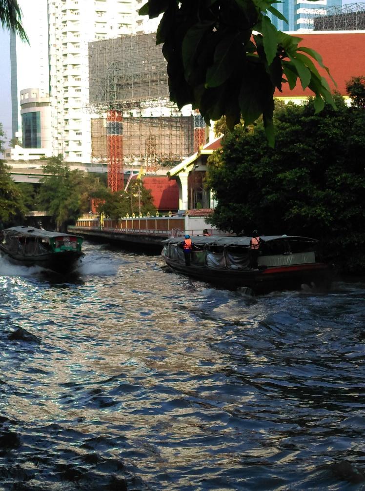 Sur le khlong de bon matin @thaietvous